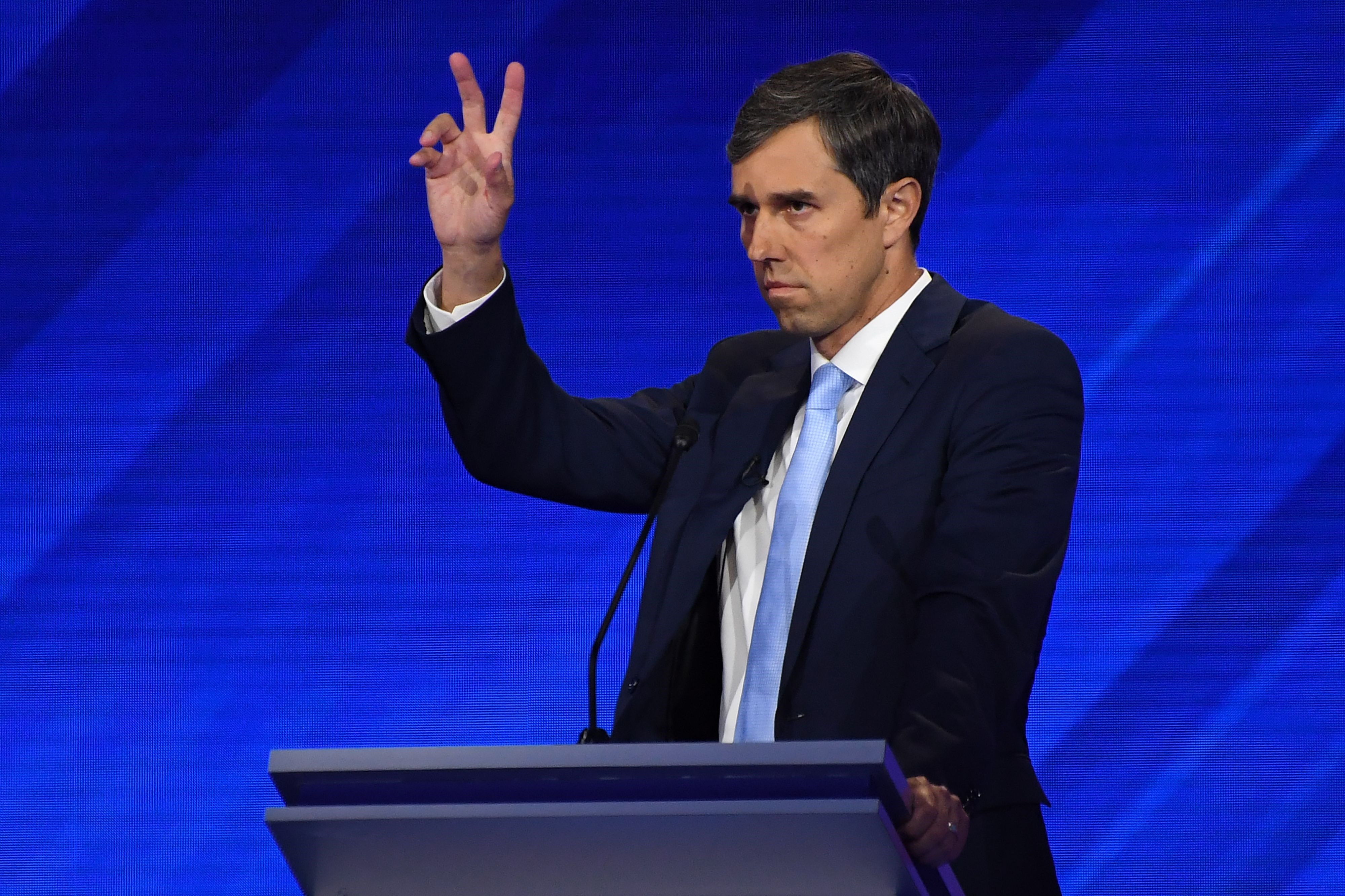 'SOLD OUT': Arizona Gun Store Offers 'Beto Specials' on AR15s and AK47s
