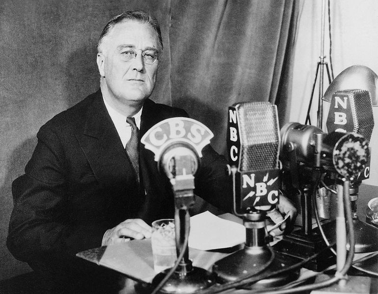 a look at franklin delano roosevelts new deal Franklin delano roosevelt (1882-1945 / hyde park, new york)  search in the  quotations of franklin delano roosevelt : ''we have the  this was fdr's  assessment of what new deal social and economic programs aimed to achieve.