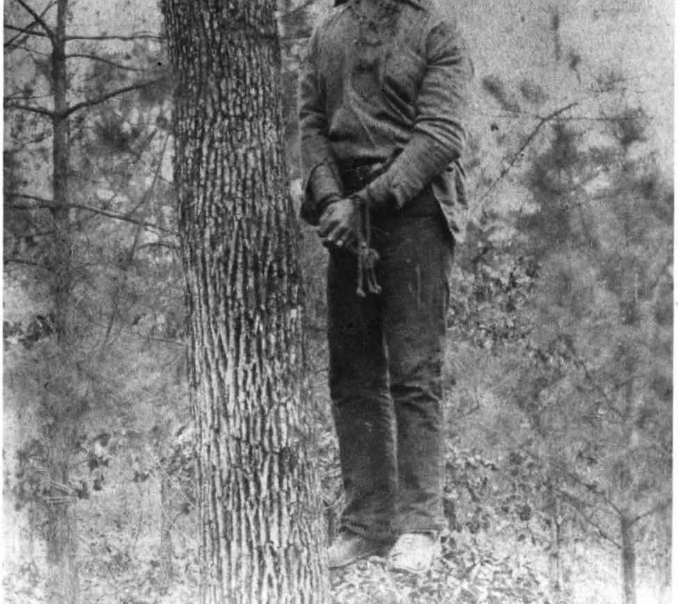 on lynchings How did the practice of lynching begin and evolve in american history how did ida b wells, a black female investigative journalist, start to challenge some.