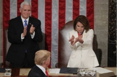 House Speaker Nancy Pelosi applauds President Donald Trump, Feb. 5, 2019. (Getty Images/Chip Somodevilla)