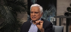 Christian apologist Ravi Zacharias speaks to Dave Rubin on The Rubin Report. (Photo credit: YouTube/The Rubin Report)