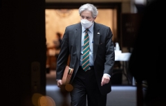 Sen. John Kennedy (R-La.), wearing a mask, leaves the weekly Republican policy luncheon on Capitol Hill on May 5, 2020. (Photo by SAUL LOEB/AFP via Getty Images)