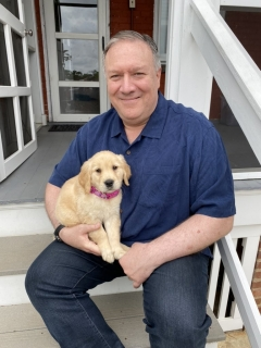 Secretary of State Mike Pompeo and his new puppy, Mercer. (Photo: @SecPompeo/Twitter)