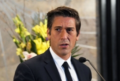 """David Muir visits The Empire State Building to celebrate the 40th season of ABC's """"20/20."""" (Photo credit: Slaven Vlasic/Getty Images)"""