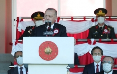urkish President Recep Tayyip Erdogan addresses a graduation ceremony at the National Defense University on Sunday. (Photo: Turkish Presidency)