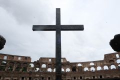 A cross stands in the Colosseum. (Photo credit: Kaveh Kazemi/Getty Images)
