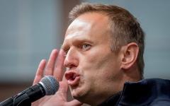 Alexei Navalny addresses a demonstration in Moscow last September. (Photo by Yuri Kadobnov/AFP via Getty Images)