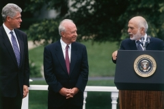 Prime MinisterYitzhak Rabin and Jordan's King Hussein with President Clinton at the White House in October 1994. (Photo by Jeffrey Markowitz/Sygma via Getty Images)