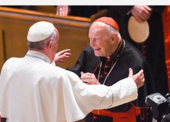Pope Francis reaching out to hug Cardinal Theodore McCarrick ath the Cathedral of St. Matthew the Apostle in Washington, D.C., Sept. 23, 2015. (Jonathan Newton/The Washington Post via Getty Images)
