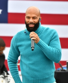Lonnie Lynn (Common) performs at a drive-in rally for Raphael Warnock in Austell, Georgia on December 20. (Photo by Paras Griffin/Getty Images)