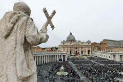 Featured is St. Peter's Square in the Vatican City. (Photo credit: VINCENZO PINTO/AFP via Getty Images)