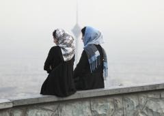 Jeunes femmes iraniennes à Téhéran. (Photo par Franco Czerny / Getty Images)