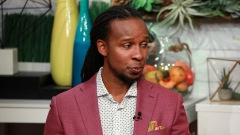 """Ibram X. Kendi visits BuzzFeed's """"AM To DM"""" on March 10, 2020 in New York City. (Photo credit: Jason Mendez/Getty Images)"""