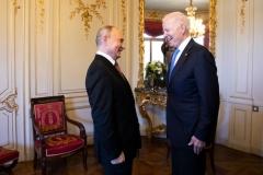 President Joe Biden (R) talks to Russian President Vladimir Putin prior to the US-Russia summit at the Villa La Grange, in Geneva on June 16, 2021. (Photo by PETER KLAUNZER / POOL / AFP) (Photo by PETER KLAUNZER/POOL/AFP via Getty Images)