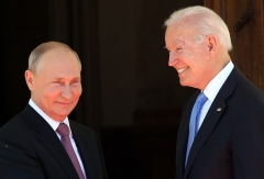 The presidents of Russia and the United States met in Geneva on June 16, 2021. (Photo by Mikhail Svetlov/Getty Images)