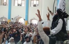 Khalil Ahmed Haqqani, a senior figure in the Haqqani Network terrorist group, at Kabul's Pul-e-Kheshti mosque on Friday. (Photo: Twitter)