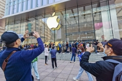 Pictured is an Apple store in China. (Photo credit: STR/AFP via Getty Images)